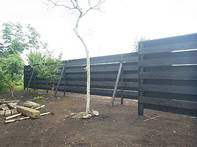 板塀(横大和張り)