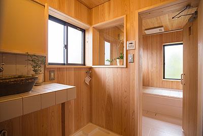 2階洗面、浴室
