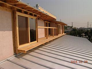 屋根上のベランダ