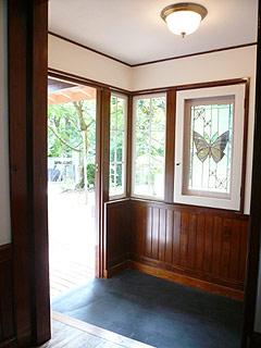 洋館の玄関