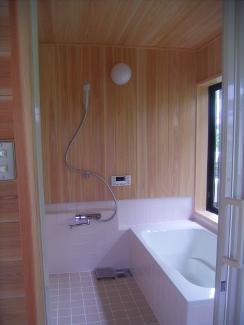 柔らかい雰囲気の浴室
