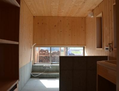 洗面脱衣室と一体にした浴室