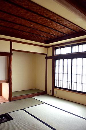 茶室としても使える和室の網代天井