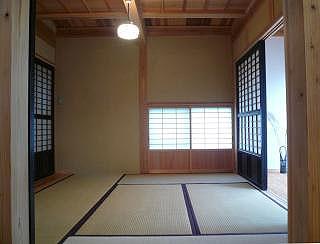 和室には古建具を使用しています