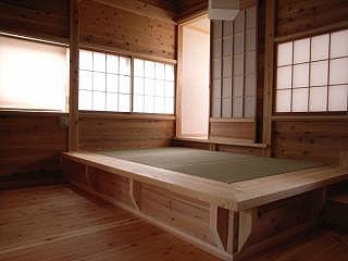 2階寝室の畳ベッド