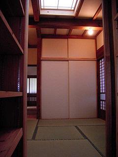 平屋部分に設けた寝室